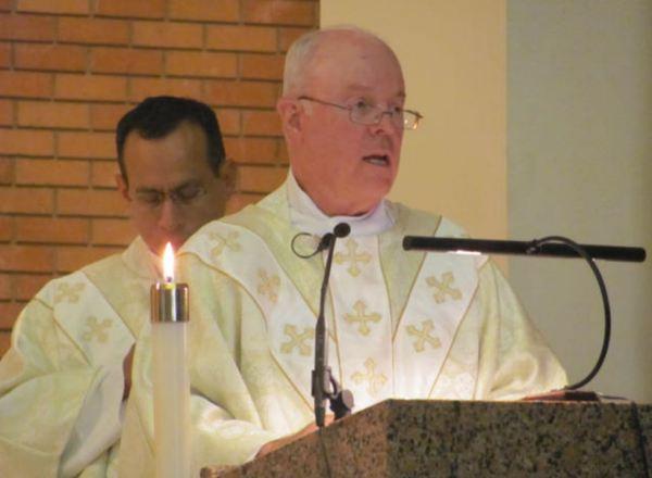 Con Padre Victor Mayorga, St. John, San Marcos